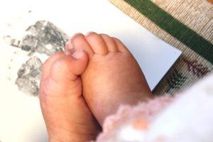 生後3ヶ月目の足型アート@私流 描いてみました